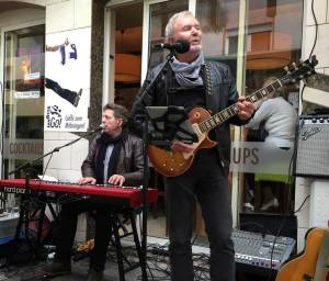 "Mit Rolf Weber (""The Bluesman"") in Hanau"
